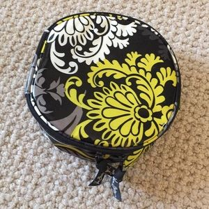 Vera Bradley Round Cosmetic travel bag Black print